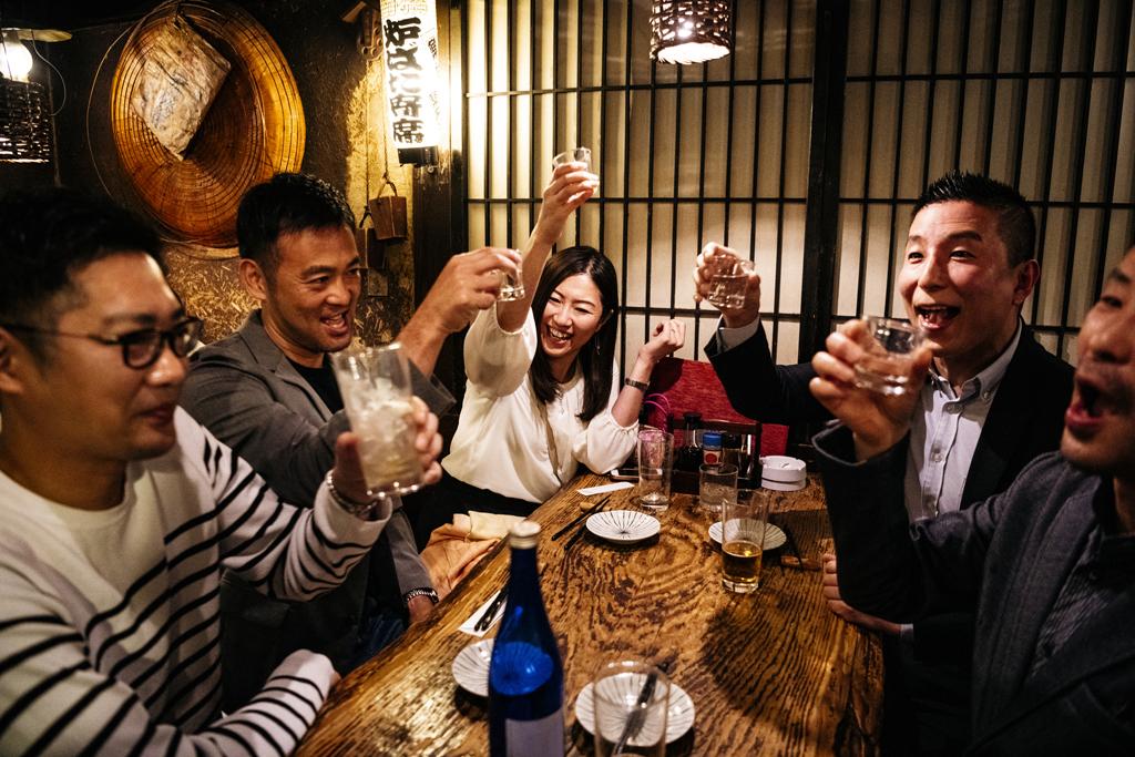 働き方ラボ】老いも若きも「忘年会スルー」は当然だ これからの宴会の ...